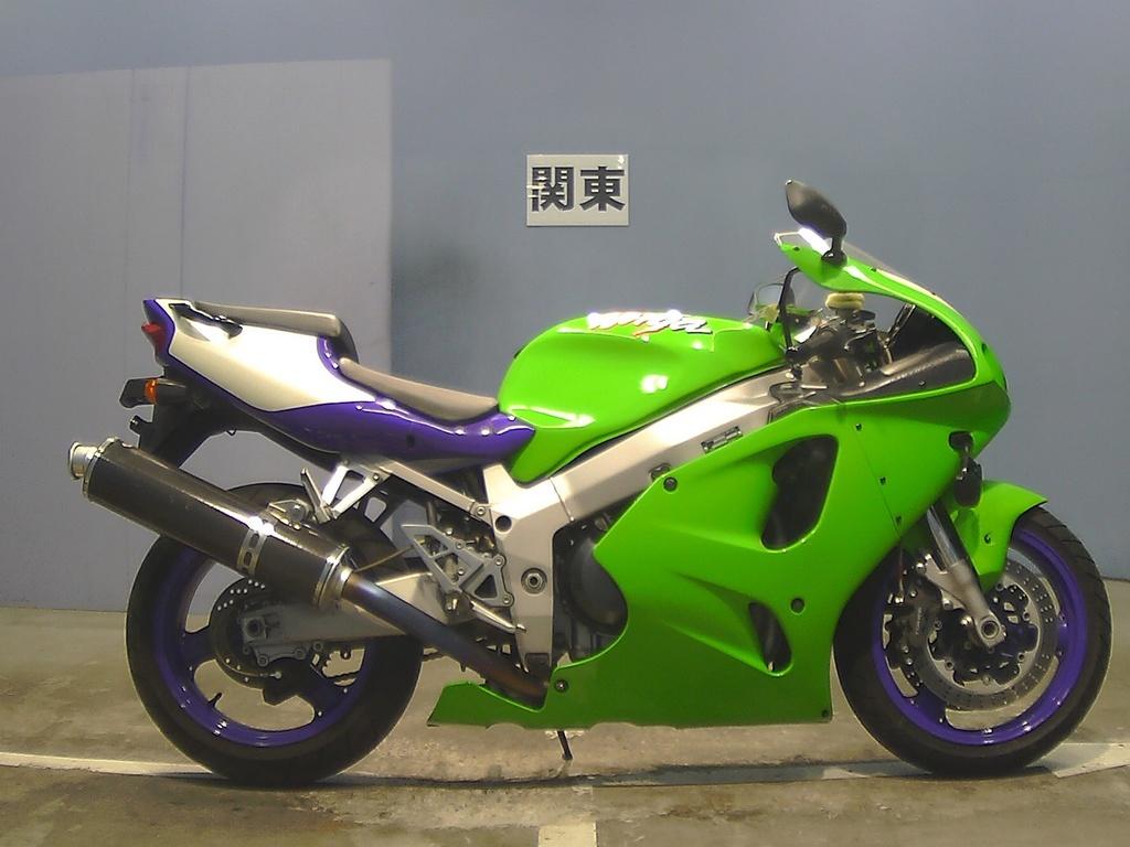 Kawasaki ZX-7R NINJA