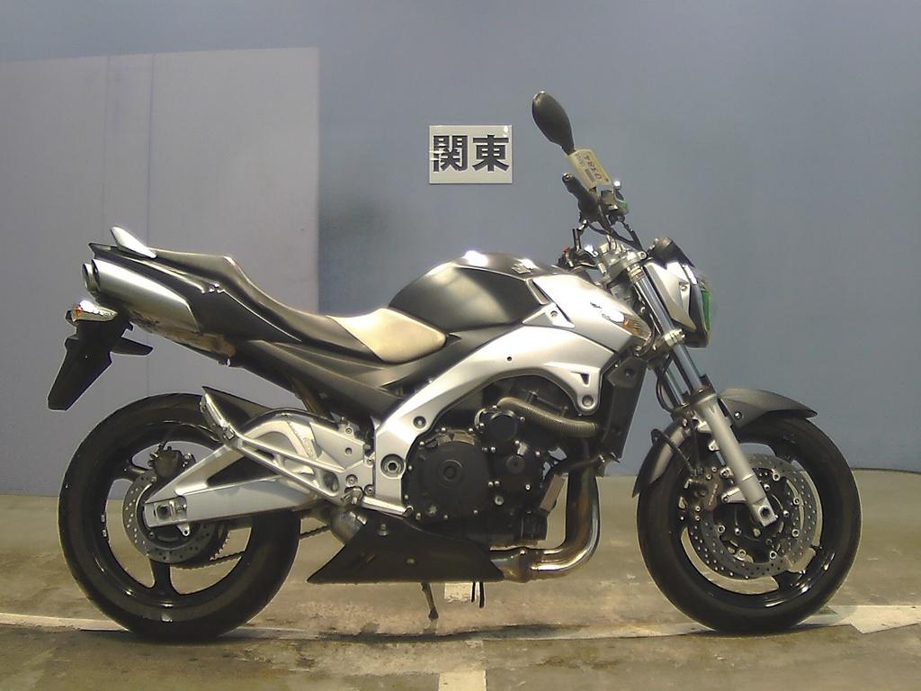 Suzuki GSR400